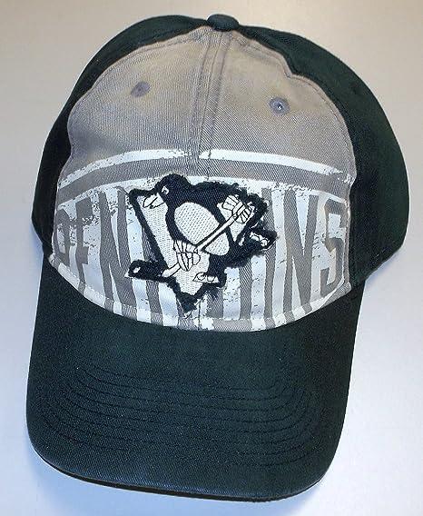 Amazon.com   Pittsburgh Penguins Slouch Strap Retro Reebok HAT ... 4d7a6a7a8