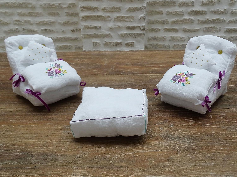 Sillones de lino y mesa pintados a mano