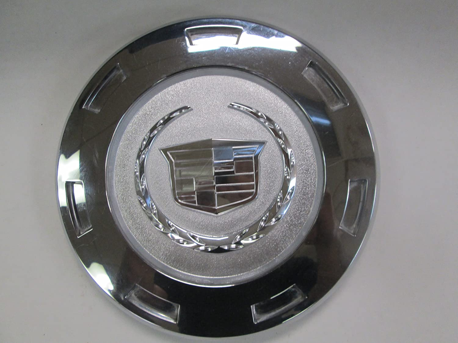 Factory Cadillac Escalade 22 Colored Wreath And Crest Center Caps 1 Single Cap