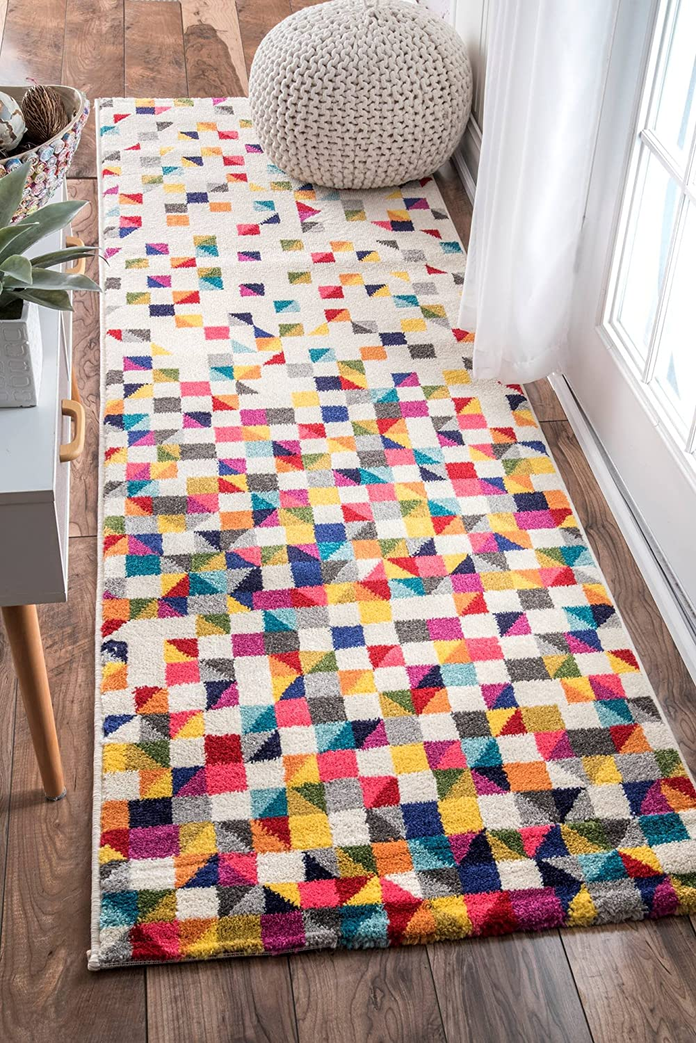 nuLOOM Contemporary Geometric Takisha Triangle Runner Rug, 2' 6