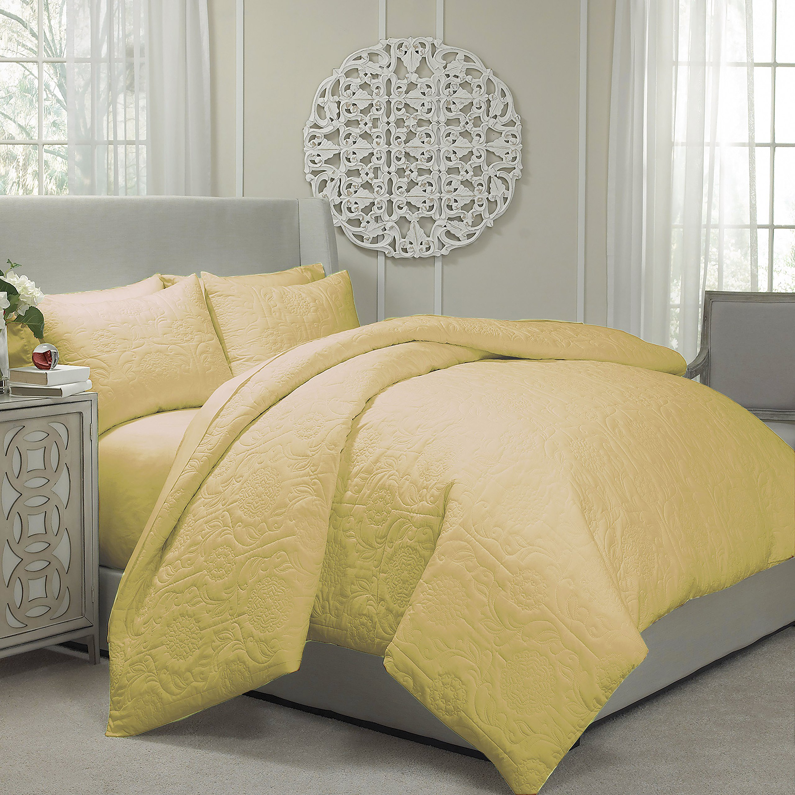 Vue 13811BEDDKNGGOL Barcelona 104-Inch by 90-Inch Quilted Coverlet and Duvet King Ensemble, Gold
