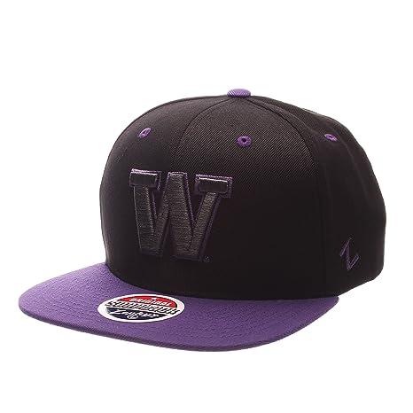 the best attitude ce876 5448c Amazon.com   Zephyr NCAA Washington Huskies Adult Men s Z11 Phantom  Snapback Hat, Adjustable Size, Black Team Color   Baseball And Softball  Uniform Hats ...