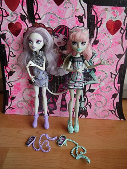 Amazon.es: Mattel Monster High Ghoul Chat Doll 2-Pack Rochelle ...