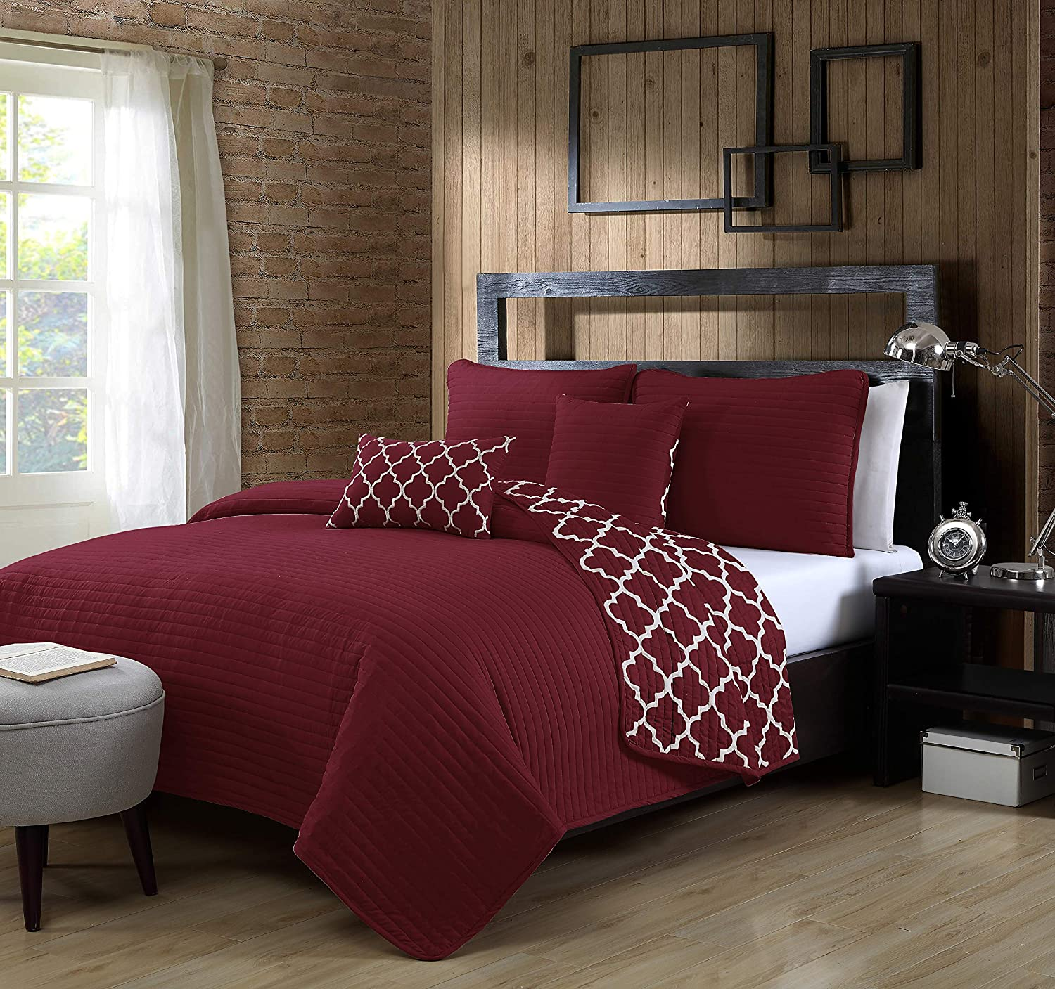 Geneva Home Fashion Griffin Quilt Set, Twin, Burgundy