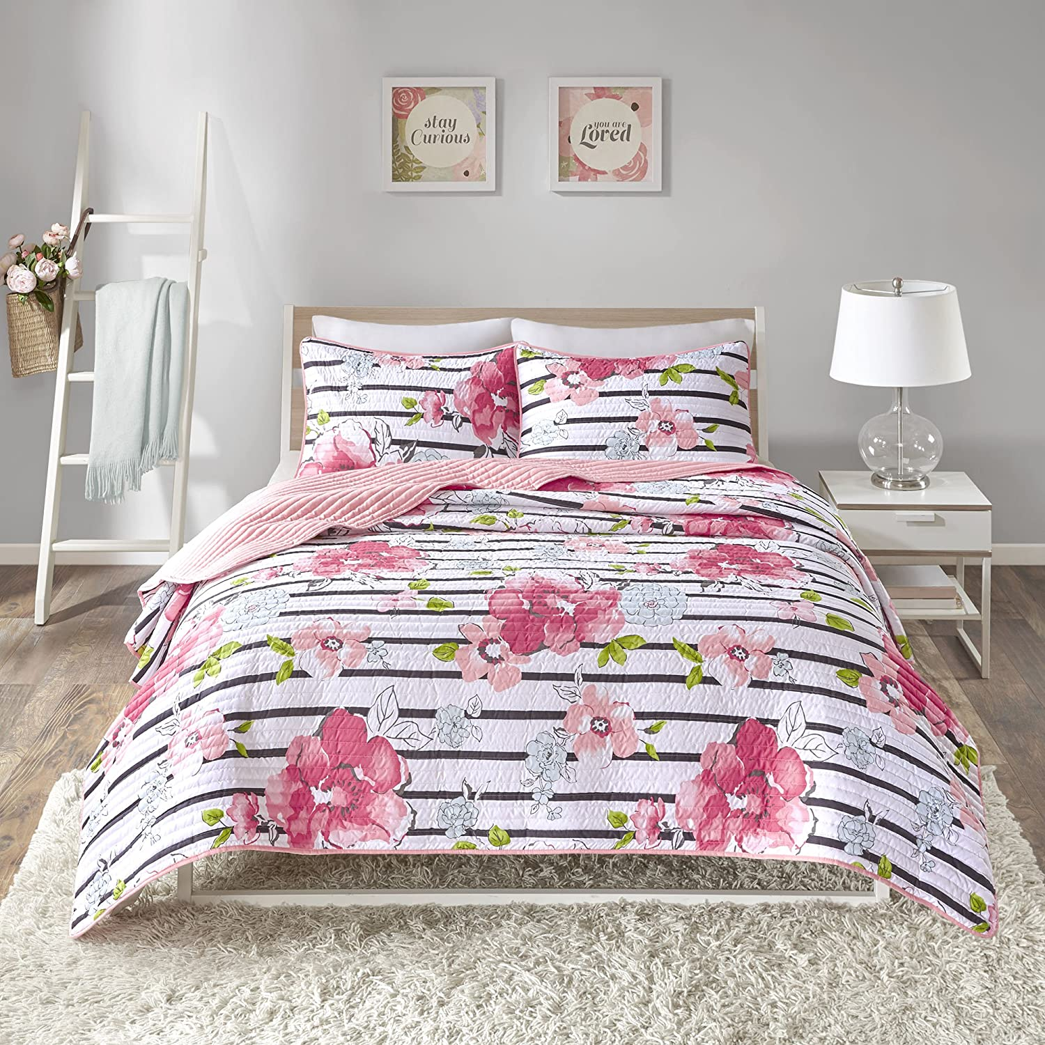 """Comfort Spaces Quilt Coverlet Bedspread Adorable Ultra Soft Microfiber Printed Floral Design Bedding Set, Twin/Twin XL(66""""x86""""), Zoe Flower Pink"""