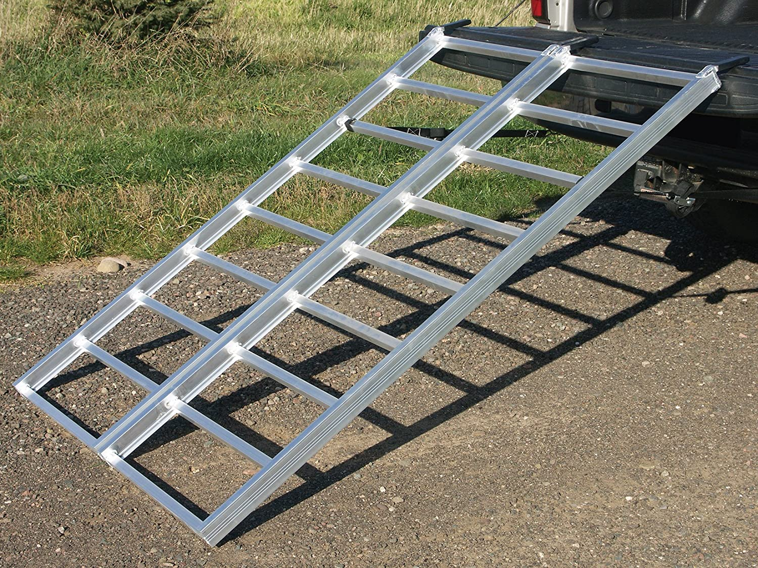 750lb Capacity Yutrax TX106 Silver 89-inch Aluminum Folding Arch Ramp Single