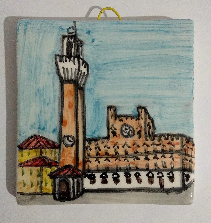 Piazza del campo a Siena- Mattonella di ceramica decorata a mano, dimensioni cm 10x10x1,1 cm,pronta da appendere alla parete.Made in Italy toscana,Lucca.Creata da Davide Pacini.
