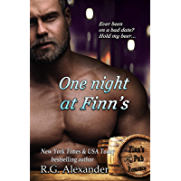 One Night at Finn's (Finn's Pub Romance Book 1) (English Edition)
