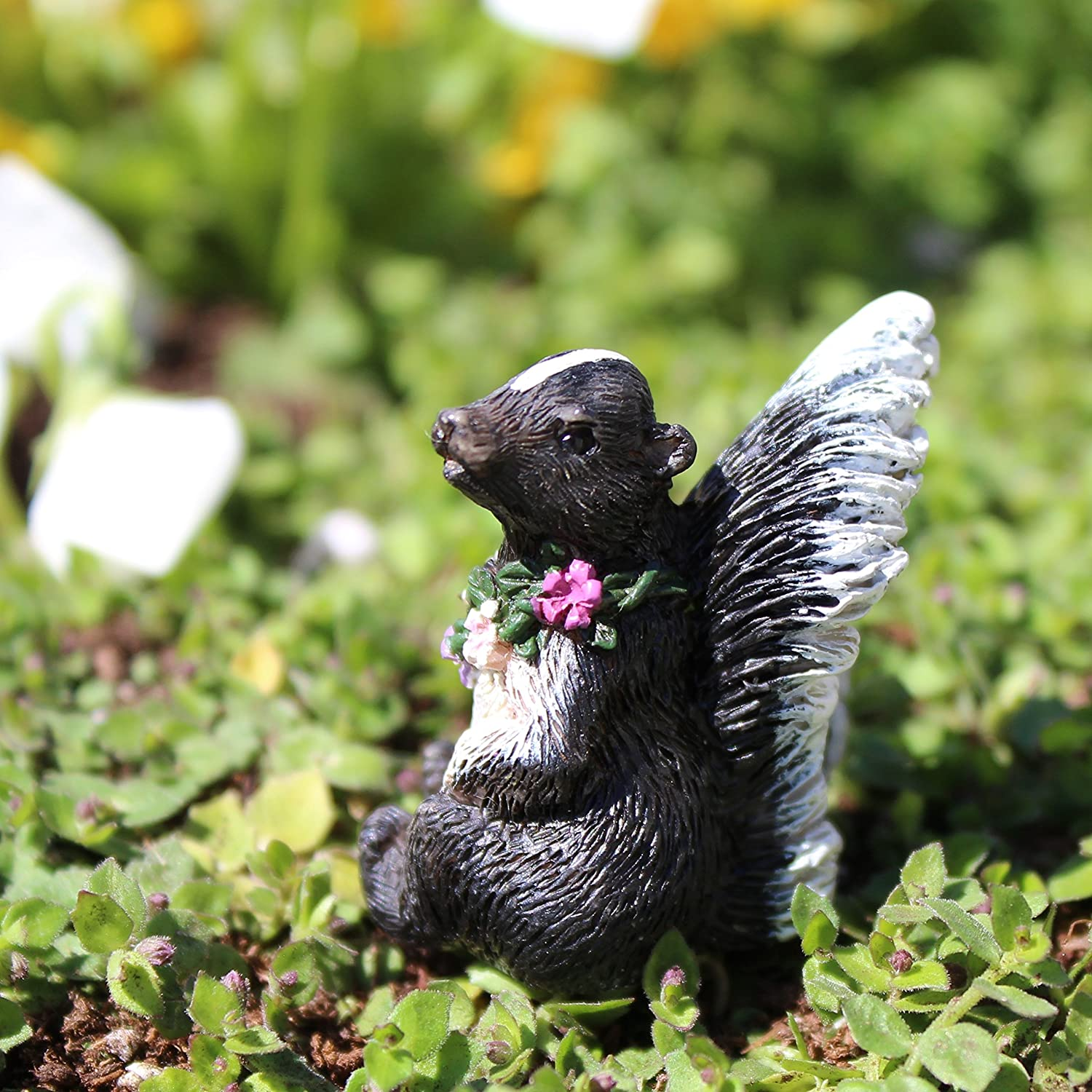 Miniature Fairy Garden Flower The Skunk