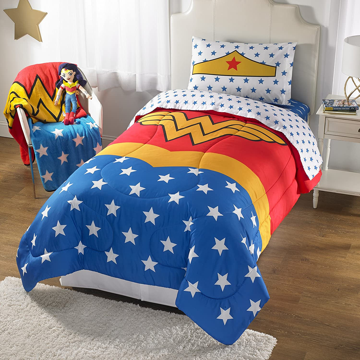 1 Piece Girls Dark Blue Wonder Woman Comforter Twin Full, Golden Red Color Comics Movie Characters Pattern Dc Comic Reversible Kids Bedding, Traditional Adventure Superhero Themed Teen, Polyester