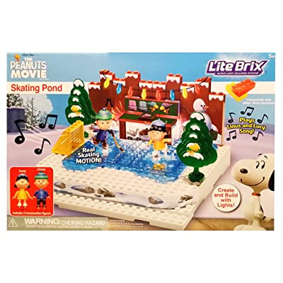 The Peanuts Movie Skating Pond: Toys & Games