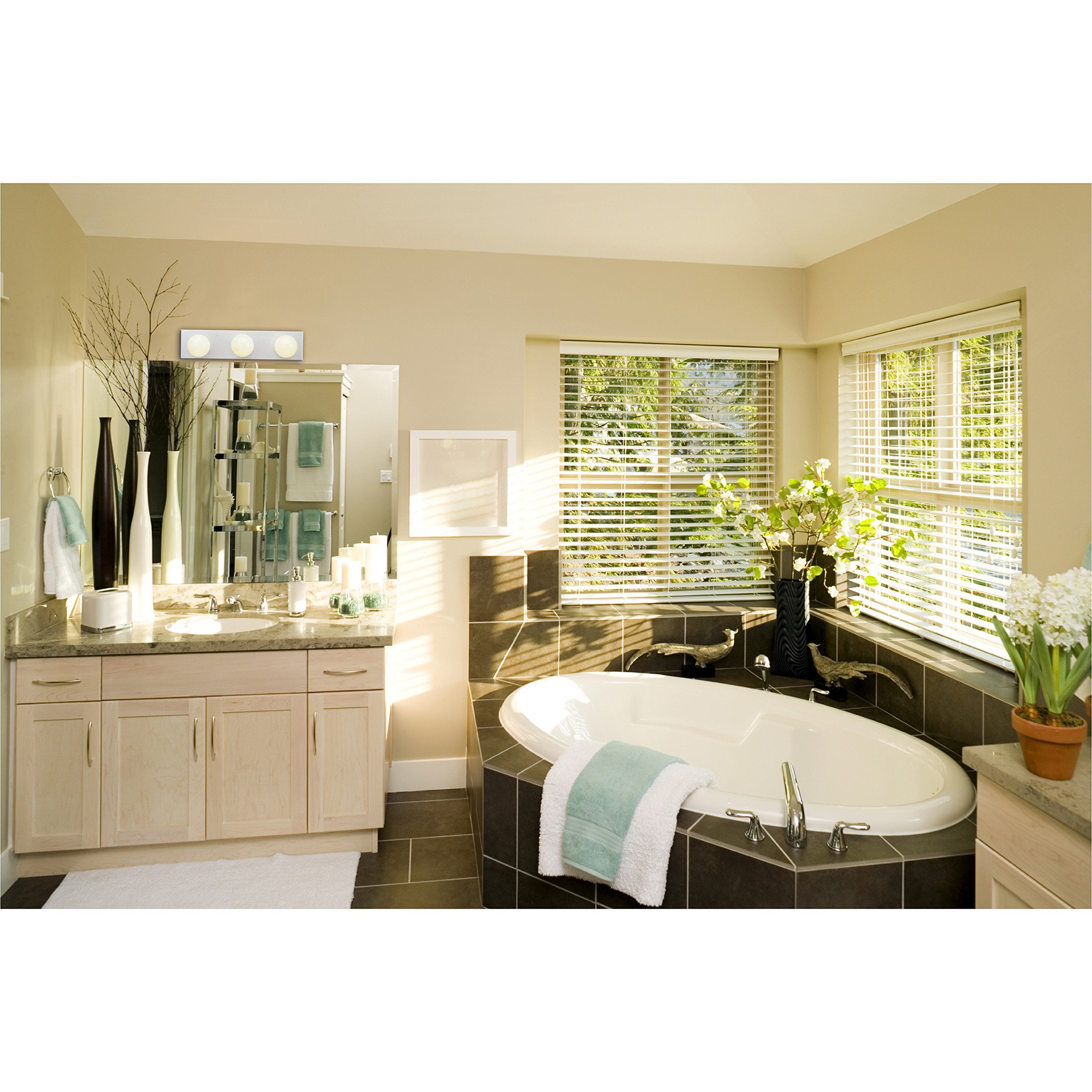 Westinghouse 6659400 Three-Light Bath Bar