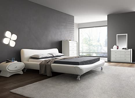 Contemporary White Faux Leather Platform Bed (California King)