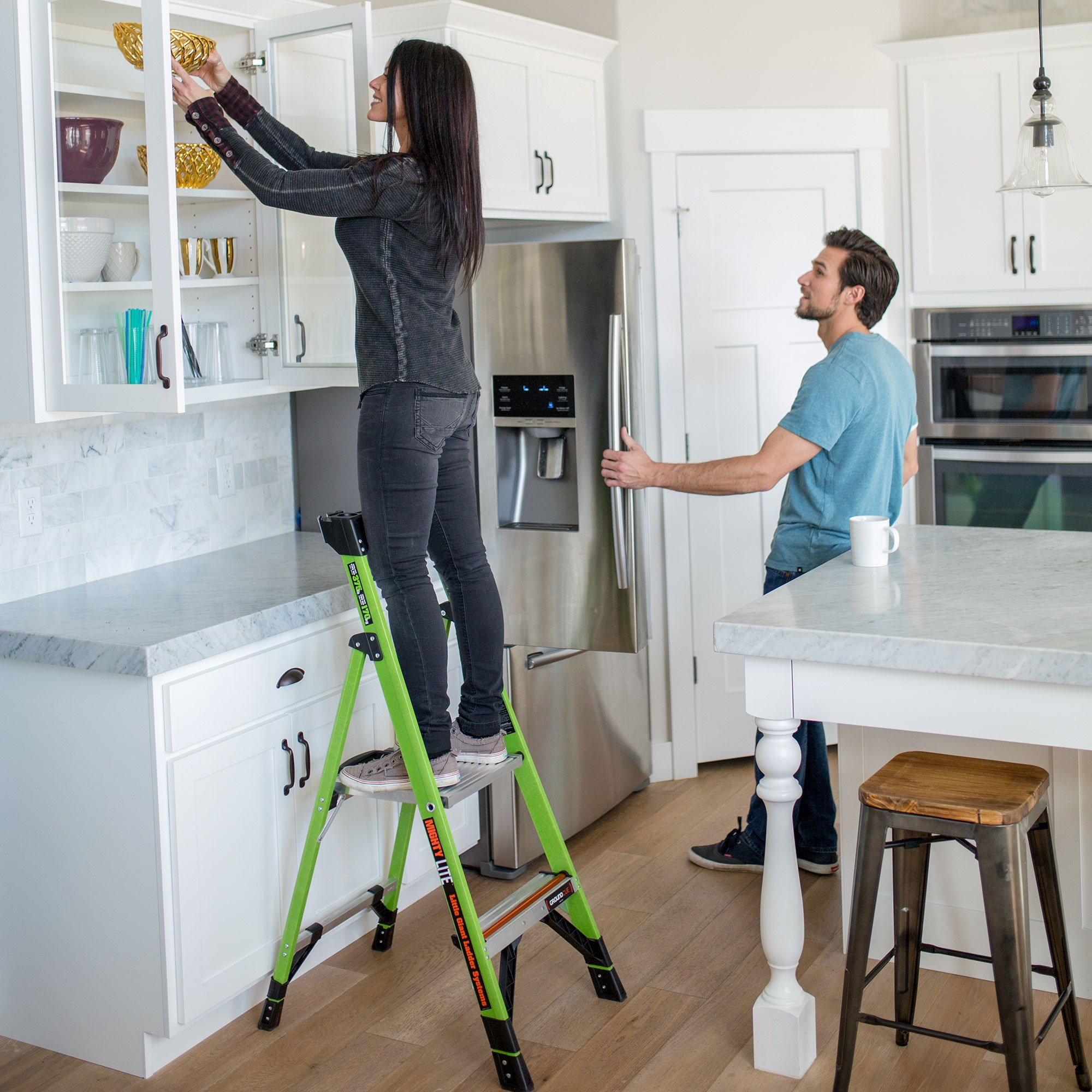 Little Giant Ladder Systems 15364-001 Mightylite 4 4, 4' IA 4 Step Ladder by Little Giant Ladder Systems (Image #6)