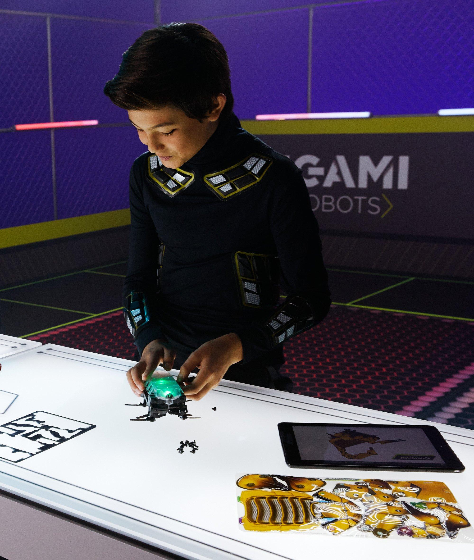 Kamigami Atlasar Robot by Mattel (Image #19)