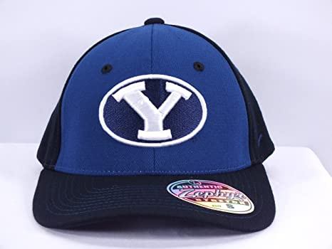 979cf6e8061 Amazon.com   BYU COUGARS NCAA (SMALL) FLEX  FIT CAP BY ZEPHYR (D57 ...