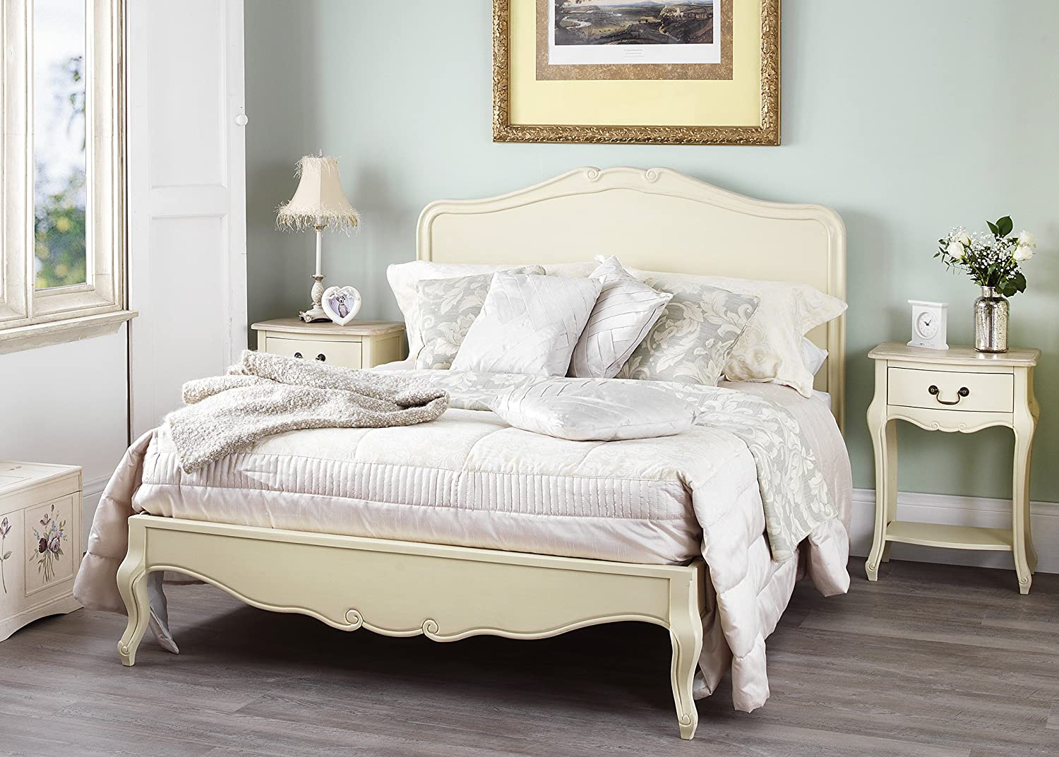 Juliette Shabby Chic Champagne King Bed 5pc Bedroom Suite. Cream 5ft Bed,  Bedside Table, Wardrobe, Chest Of Drawers. FULLY ASSEMBLED: Amazon.co.uk:  Kitchen ...