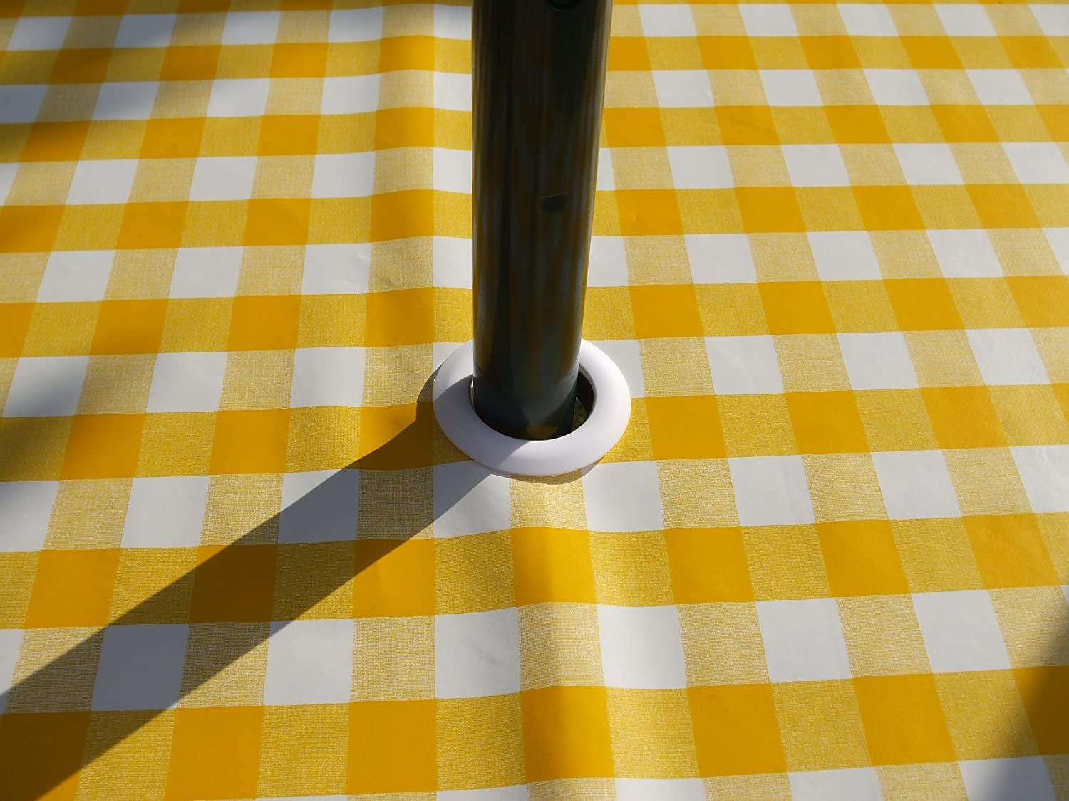 55 ROUND PVC//VINYL TABLECLOTH YELLOW GINGHAM WITH PARASOL HOLE
