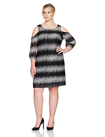 706f8371892 Sandra Darren Women s Plus Size 1 Pc Cold Shoulder Knit Dress at ...