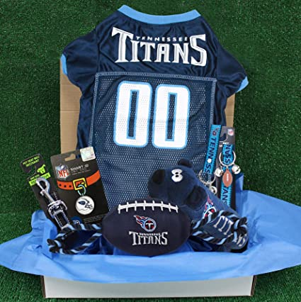 650d4f05d Amazon.com   NFL Tennessee Titans PET GIFT BOX with 2 Licensed DOG ...