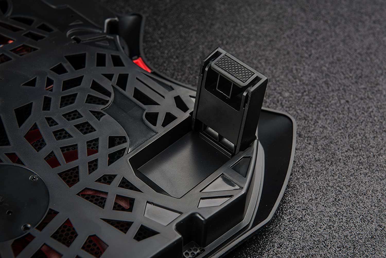 Xveon Gaming Aero Gaming Cooling Pad Cooling Pad for Laptops up to 17.3/sgm520