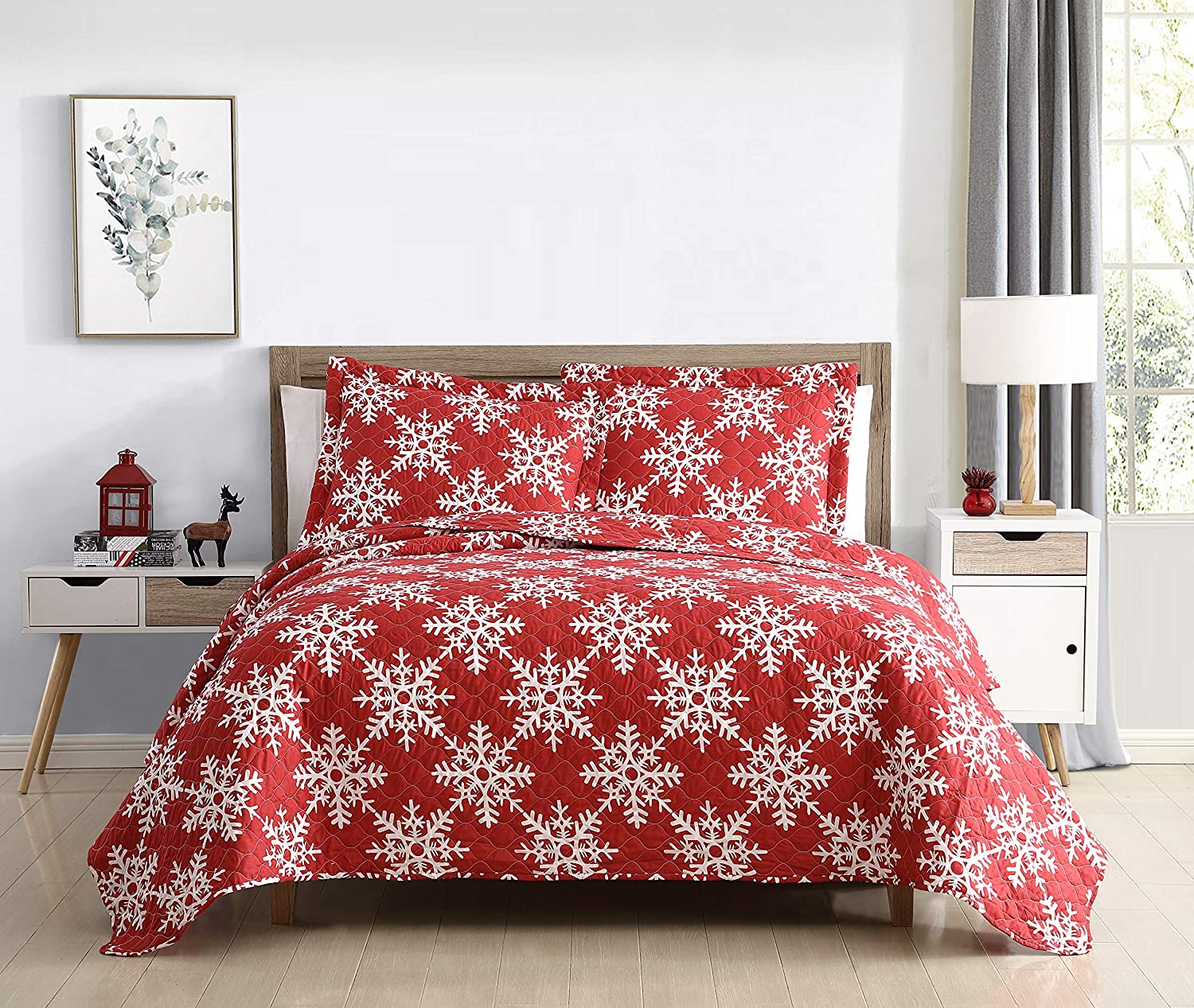 SL Spirit Linen Home EST. 1988 Holiday Collection Quilt Set - Ultra-Soft, Reversible Coverlet Bedding - Oversized Quilt with Matching Pillow Shams, Queen, Snowflakes