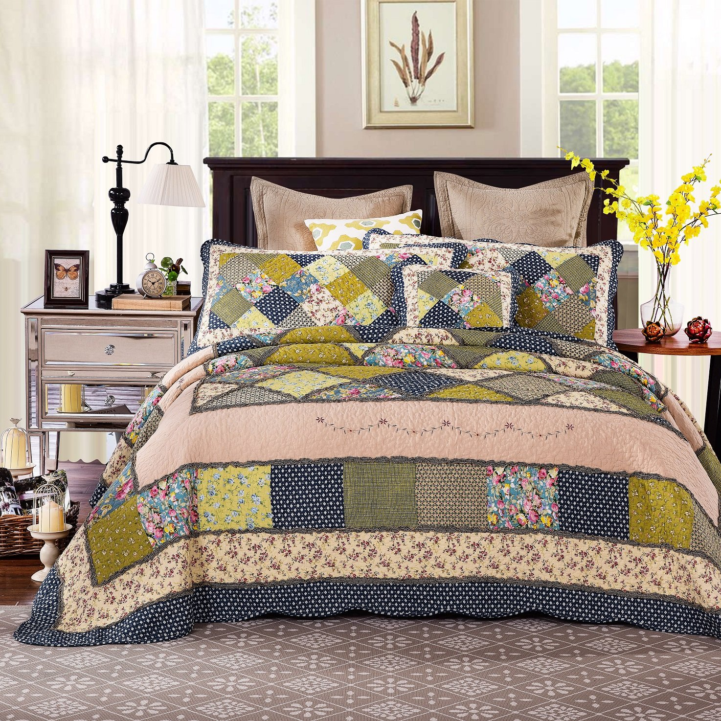 Tache 5 Pieces Calming Floral Patchwork Spring Shower Reversible Quilt Bedspread Set, Cal King by Tache Home Fashion
