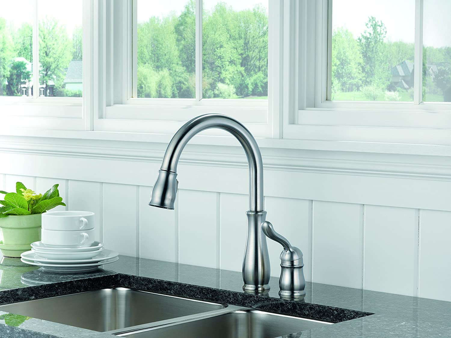 Delta 978-ARWE-DST Leland Single Handle Pull-Down Kitchen Faucet ...
