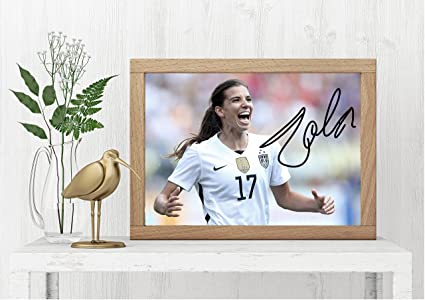 5752ca2c055 Amazon.com  Reprints Tobin Heath Signed Photo - Portland Thorns FC ...