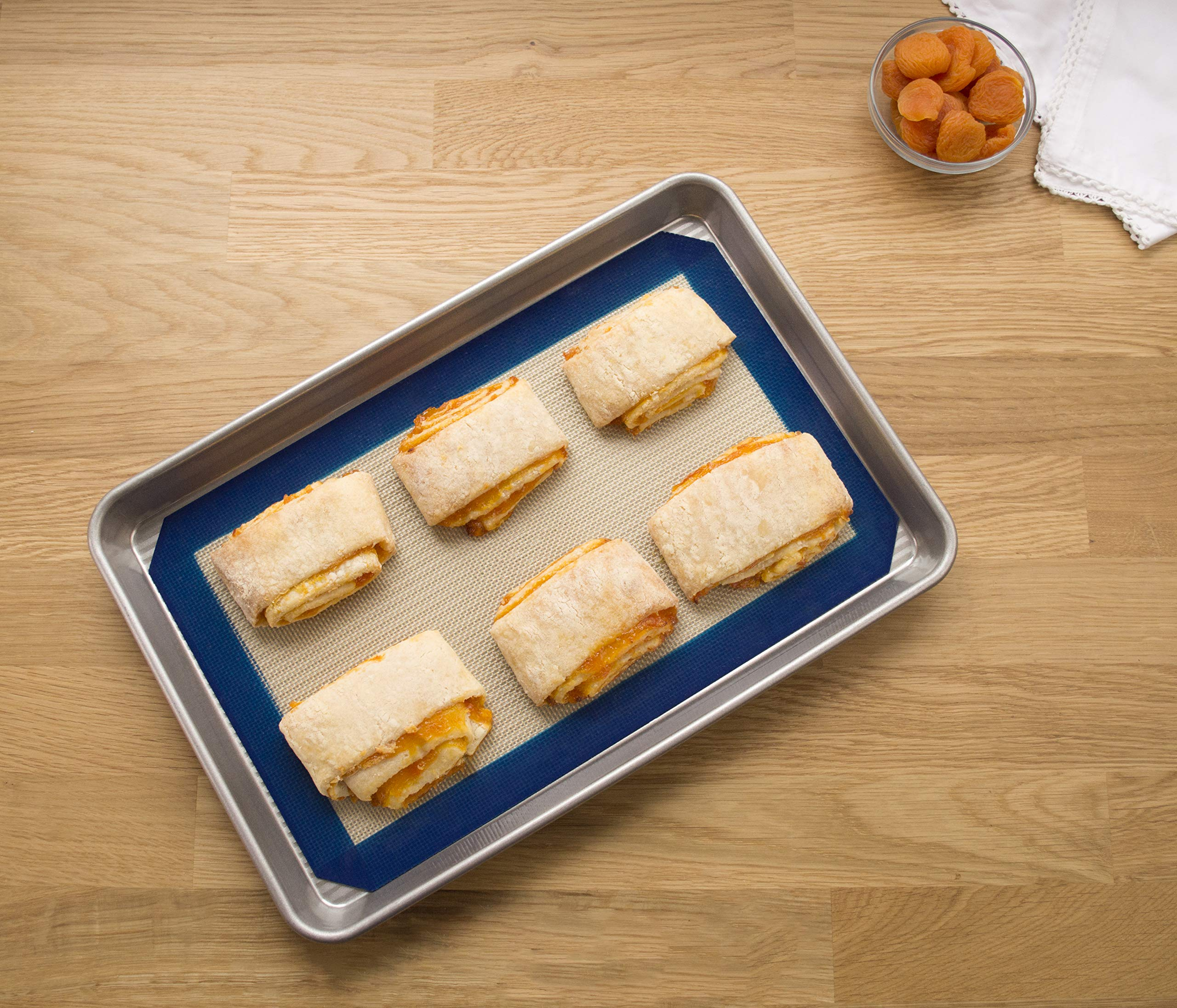 USA Pan 1705MT-1 Bakeware Nonstick Jelly Roll Pan and Silicone Mat Set by USA Pan (Image #2)