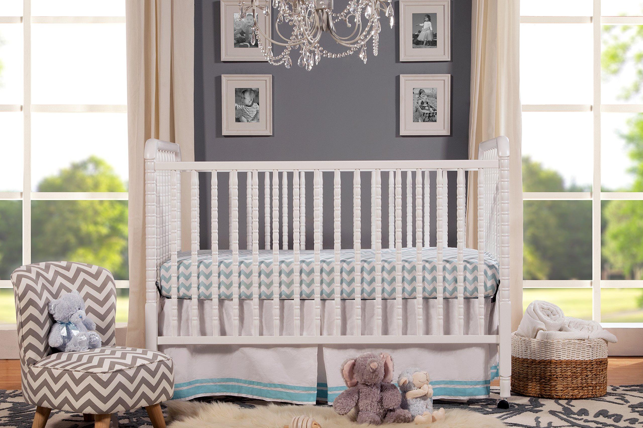 DaVinci Jenny Lind Stationary Crib, White by DaVinci (Image #3)