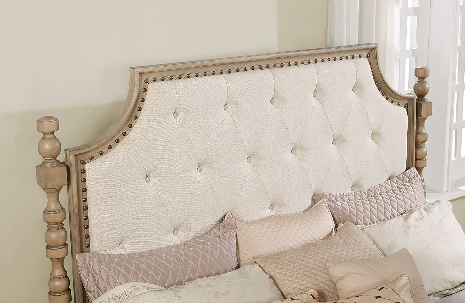 Mirror and 2 Night Stands, Roundhill Furniture Piraeus 296 Solid Wood Construction Bedroom Set with King Size Bed Dresser