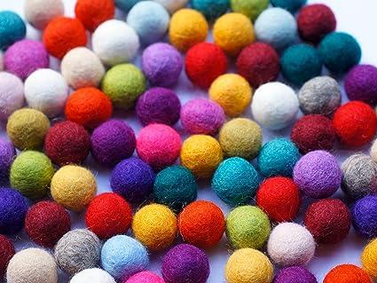 84abccc41e Colección llena de color de 100 bolas de fieltro  quot Wonder Mix quot  de 2