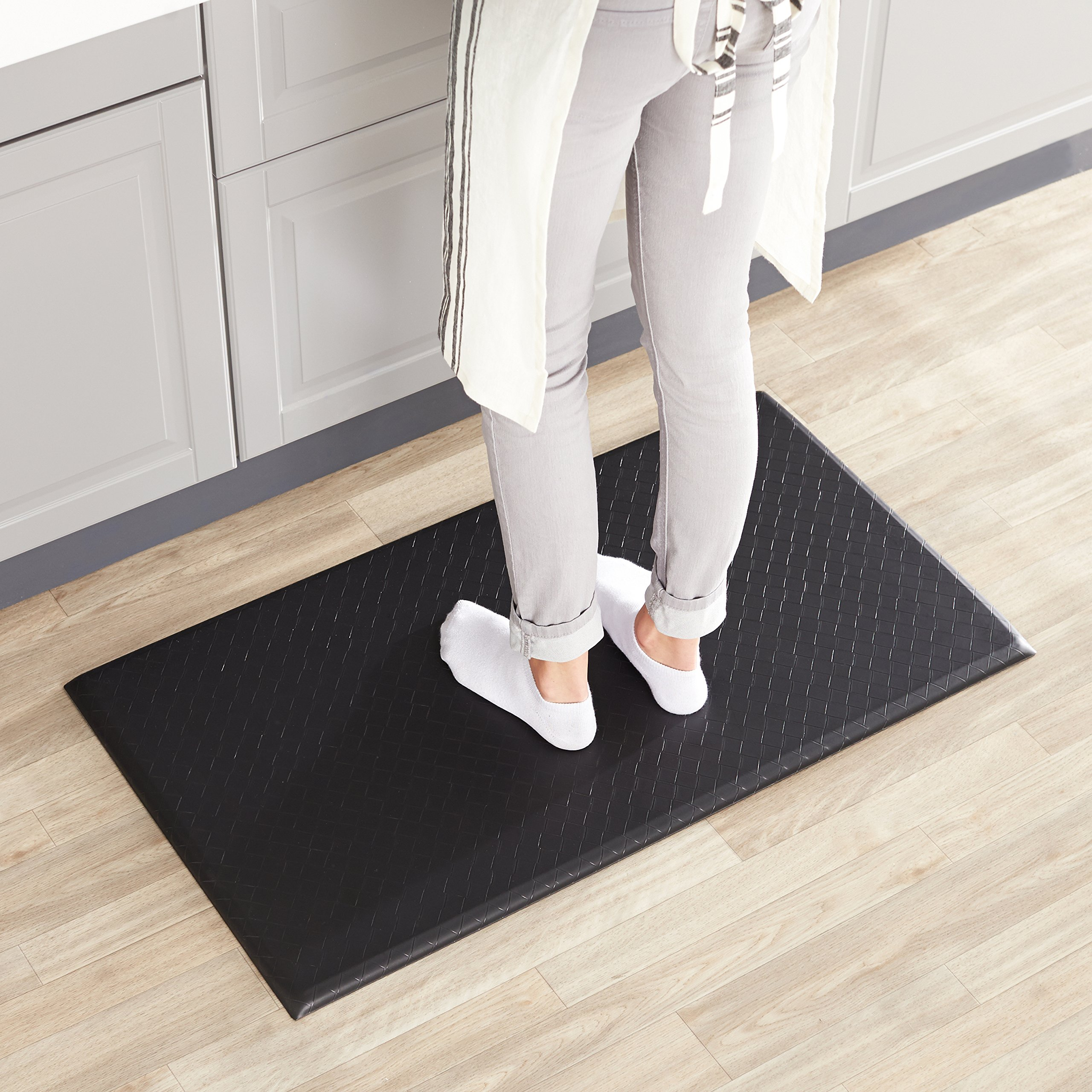 AmazonBasics Premium Anti-Fatigue Standing Comfort Mat for Home and Office - 20x36-Inches, Black by AmazonBasics (Image #2)