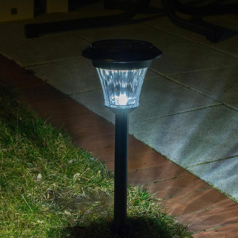 Duracell Lighting 45 Lumen Solar Garden Pathway Led Lights Silver Amazon Co Uk Garden Outdoors