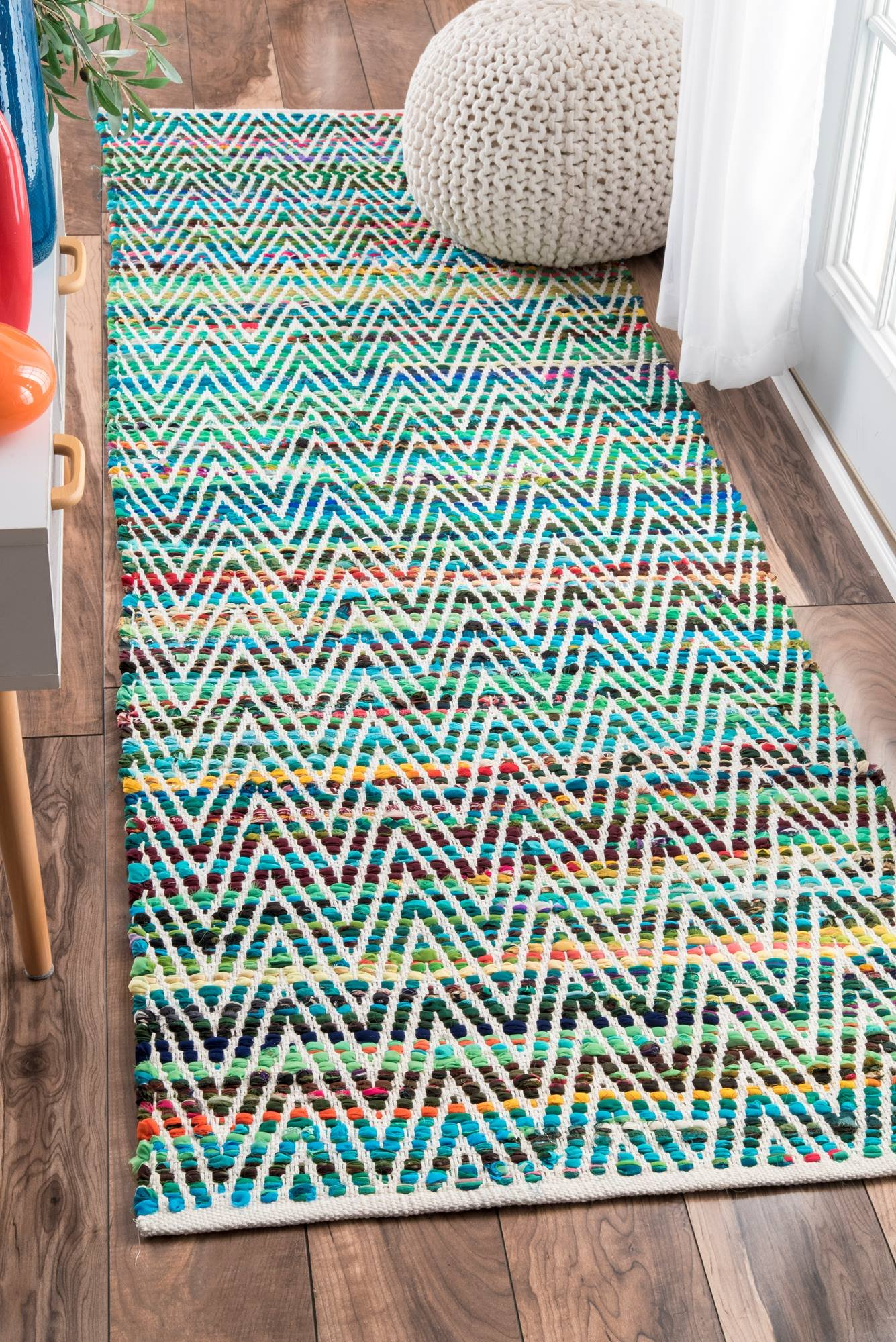 nuLOOM Hand Woven Candy Striped Chevron Runner Area Rugs, 2' 6'' x 8', Green