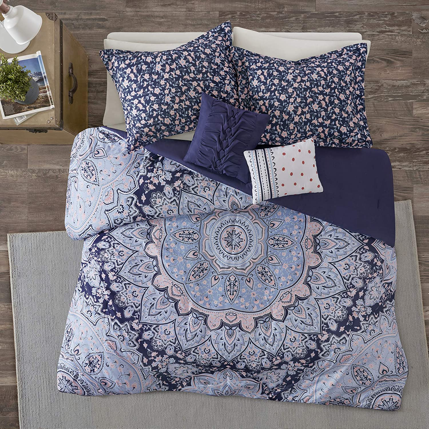 Intelligent Design Odette 4 Pieces Boho Printed Solid Microfiber Comforter Set Bedding, Twin/Twin XL, Blue
