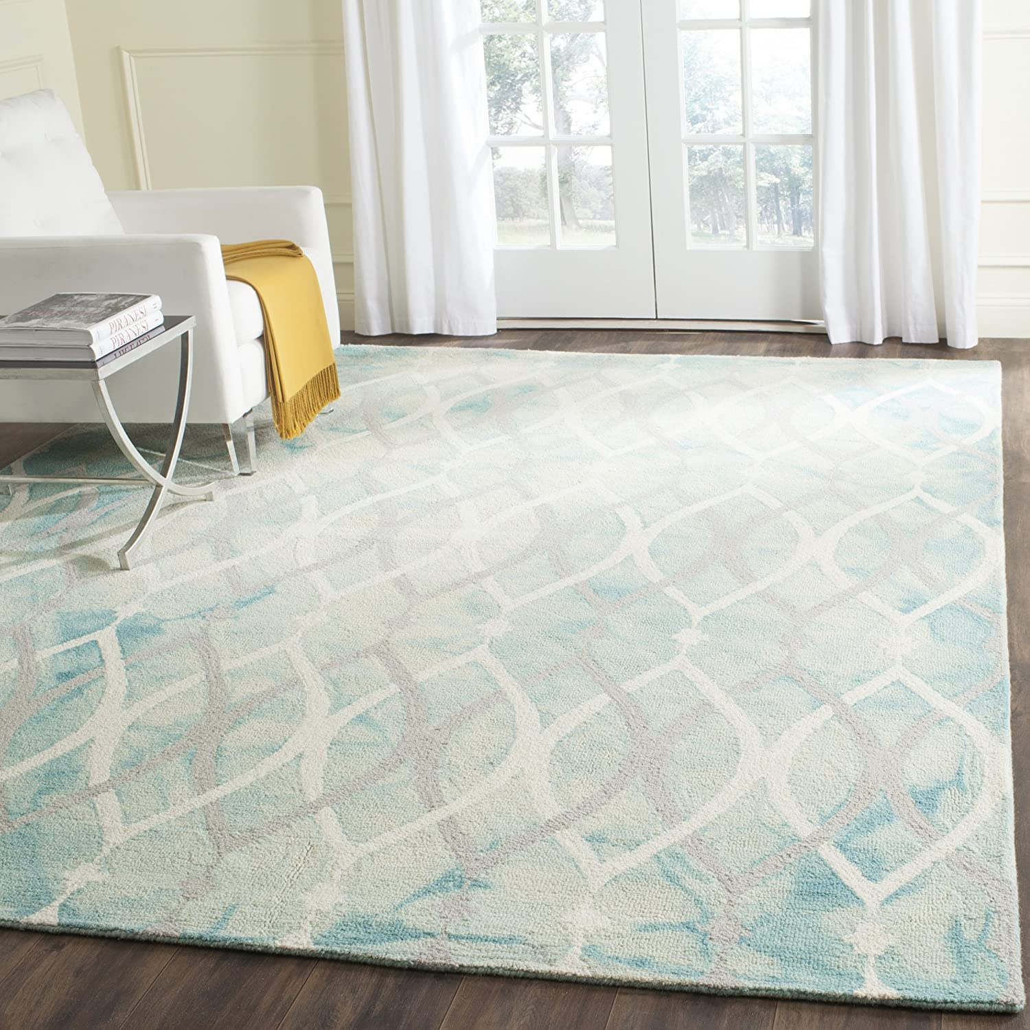 Amazon Com Safavieh Dip Dye Collection Ddy534q Handmade Modern Geometric Watercolor Green And Ivory Grey Wool Area Rug 8 X 10 Furniture Decor
