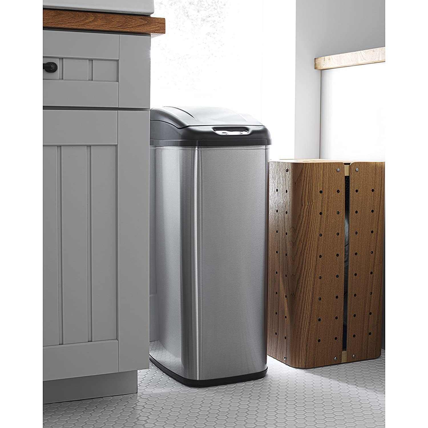 NINESTARS DZT-30-1 The Original Touchless Automatic Motion Sensor Trash Can // 30 L. 7.9 Gal Stainless Steel