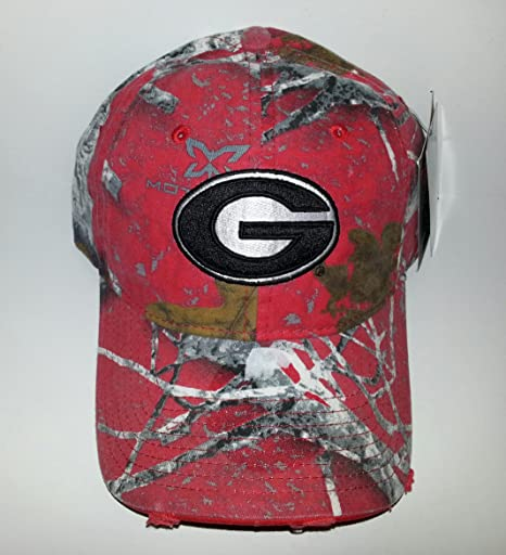 307d1934fb5 Amazon.com   University of Georgia Bulldogs Adjustable buckle Hat 3D ...