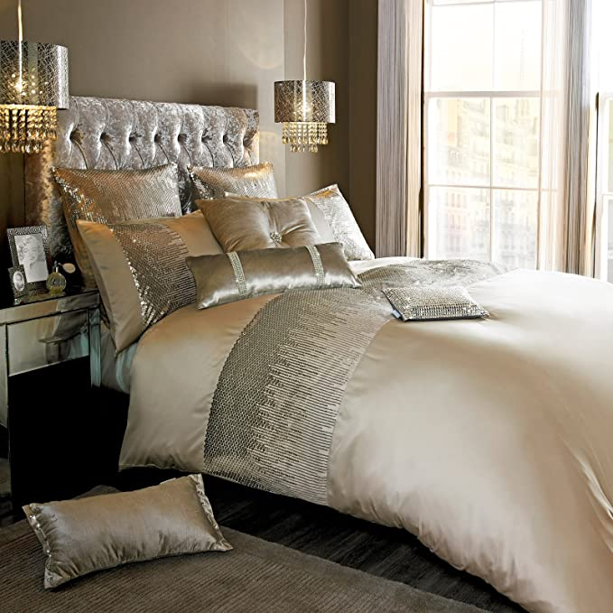 couette Kylie minogue literie gamme alexa or-couette coussin ou runner