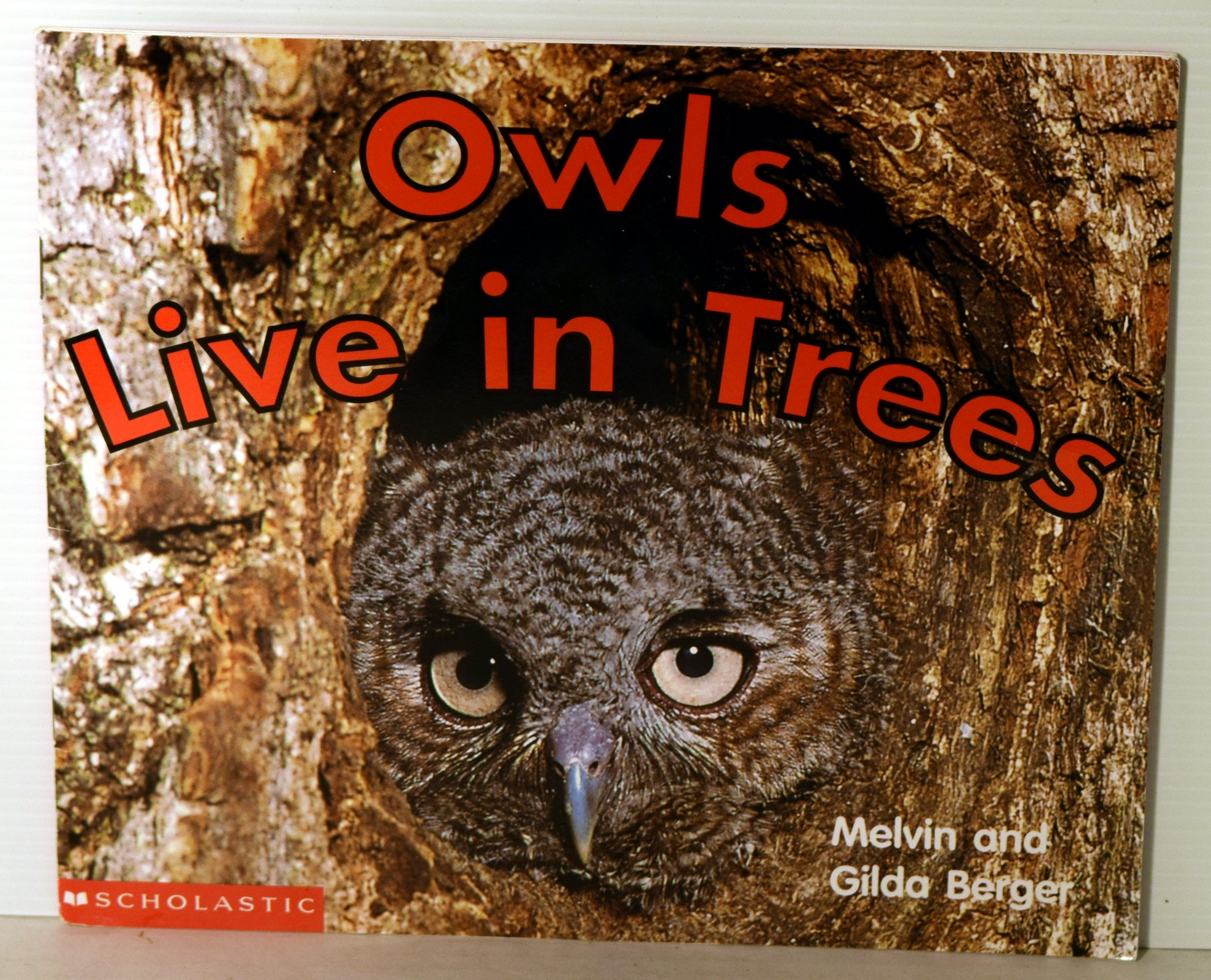 Download Owls live in trees (Scholastic readers) ebook