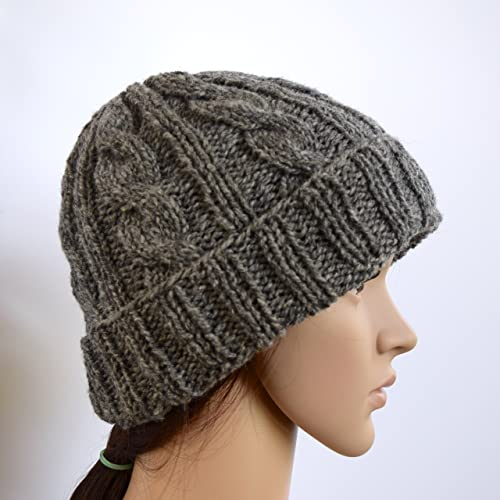 Amazon.com  Womens Grey Cable Knit Beanie Hat Wool and Nylon Blend ... f7cf60be92