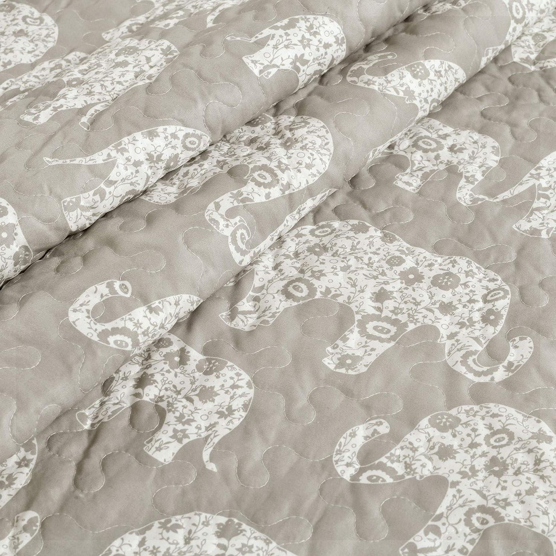 "Lush Decor Elephant Parade Throw Fuzzy Reversible Sherpa Blanket 60/"" x 50/"" Gray and White"