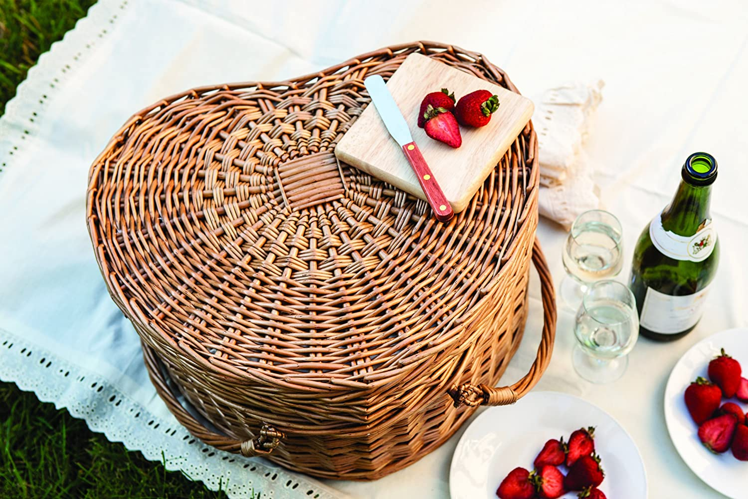 amazon com picnic time heart willow picnic basket with deluxe