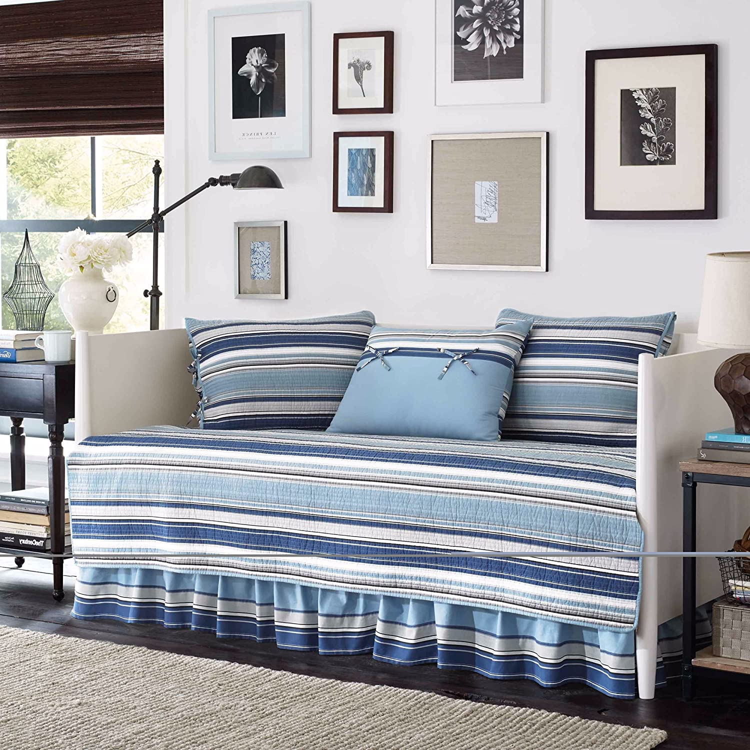 Blue and White Stripe Cotton, 5-piece Quilted Daybed Cover Set and Classic Style Included Cross Scented Candle Tart UNKNO