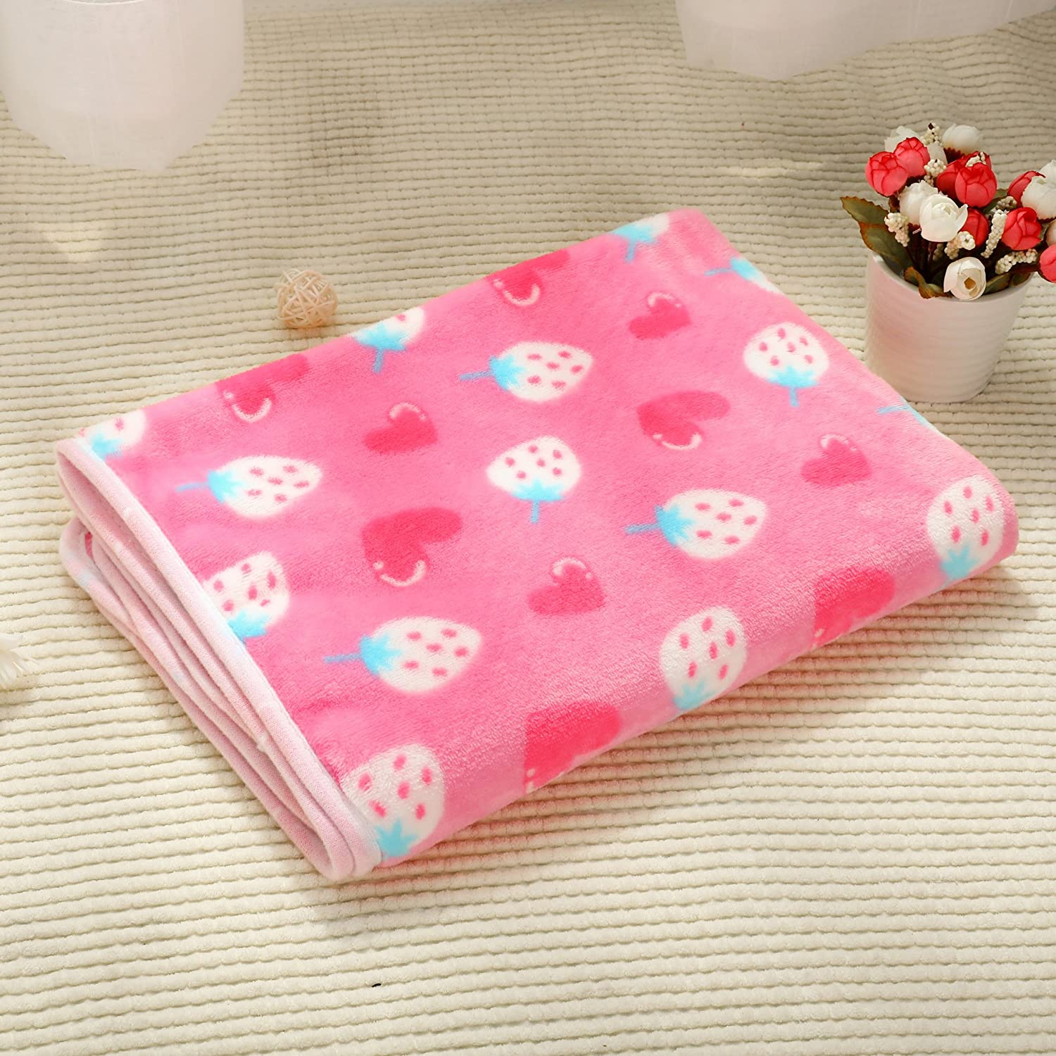 Cat Warmer Mat Fleece Fabric Soft and Cute Warm Dog Blanket Washable Pet Blanket(104  76cm)