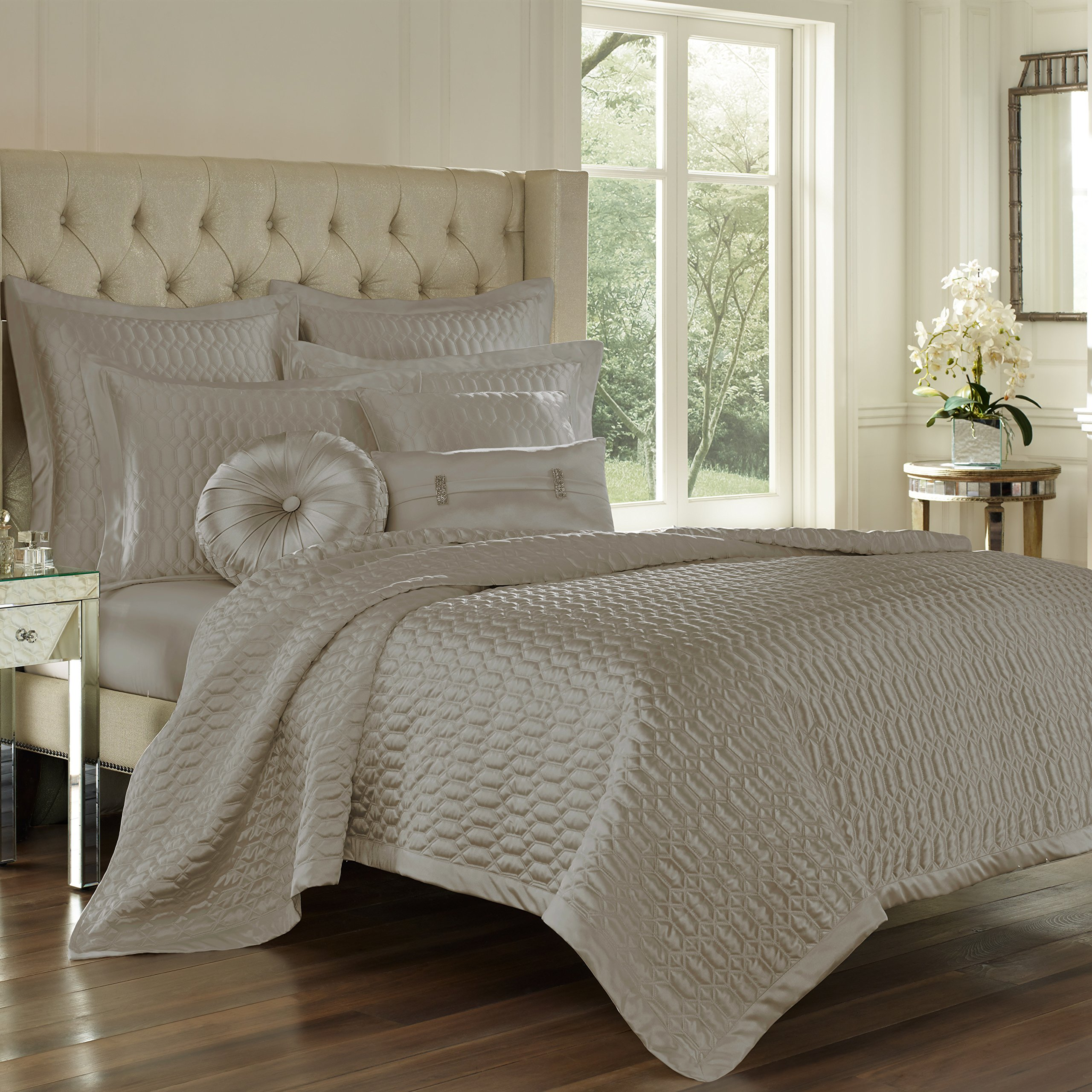 Five Queens Court Saranda Satin Geometric Quilted Coverlet King, Silver