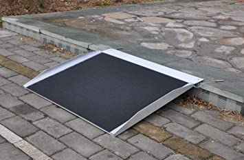 Rampa de aluminio para sillas de ruedas (61 cm): Amazon.es ...