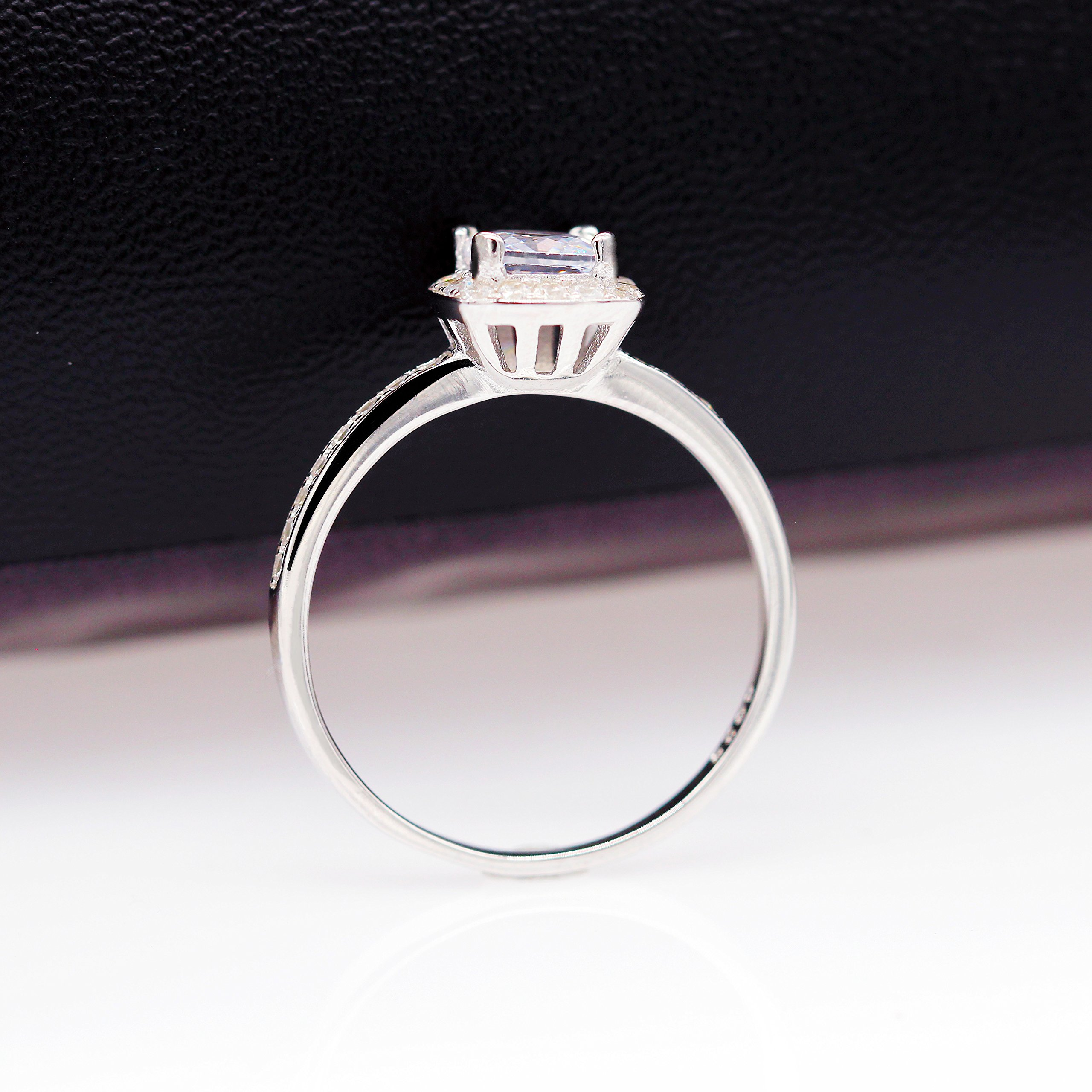 Uloveido 925 Sterling Silver Cushion Cut Cubic Zirconia Halo Solitaire Engagement Rings for Women,Platinum Plated,Wedding Rings,Size 8,LJ074 by Uloveido (Image #5)